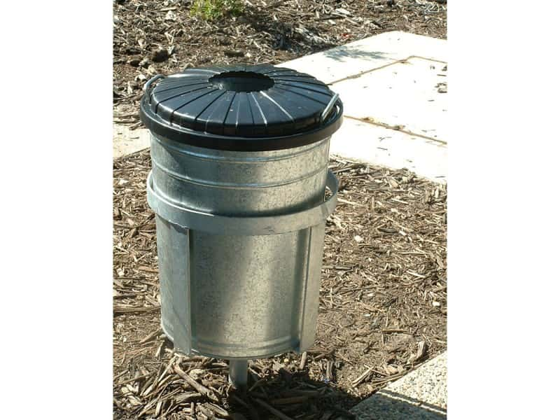 OB3 Litter Bin Holders