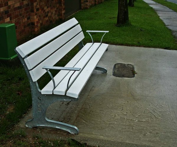 SC3 6 Slat Plaza Seat With Arm Rests