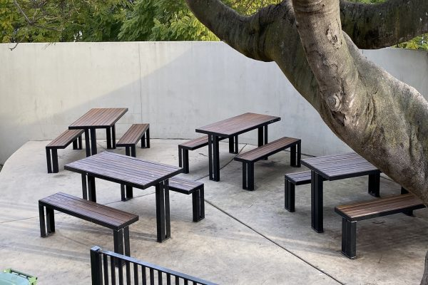 street park furniture table seating spr2